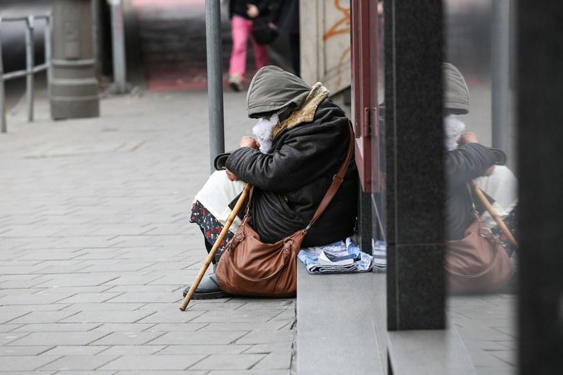 Organizacje humanitarne szacują liczbę bezdomnych w Berlinie na 3 do 4 tysięcy, a co najmniej połowę z nich stanową Polacy; Zdj. ilustracyjne /Tomasz Kawka /East News