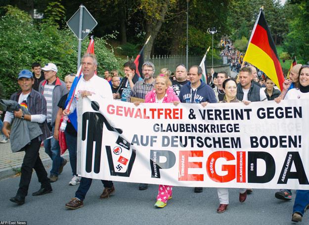 Organizatorem cotygodniowych protestów w Dreźnie jest ruch społeczny Pegida /AFP /East News