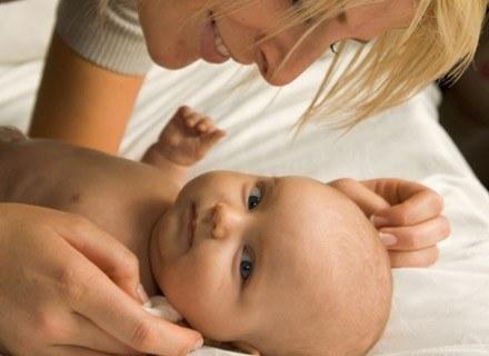 Organizm dziecka stale potrzebuje witamin /ThetaXstock