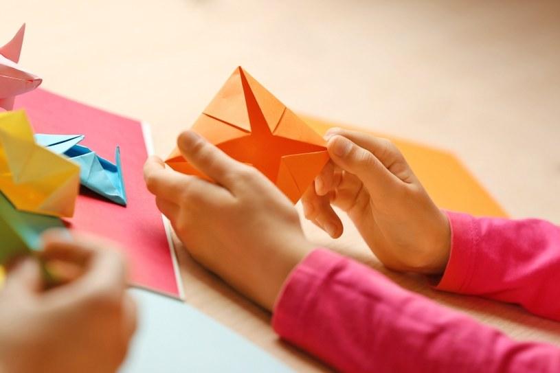 Origami usprawnia motorykę dłoni /©123RF/PICSEL