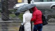 Orkan Fryderyka dotarł do Polski. Autobusy w rowach
