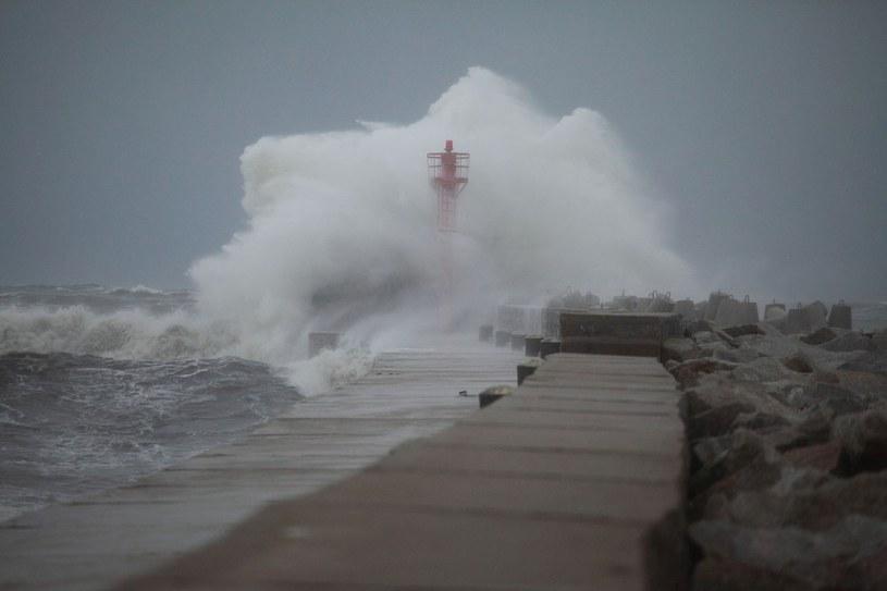Orkan Ksawery szalał na Wybrzeżu /Mariusz Surowiec /Reporter
