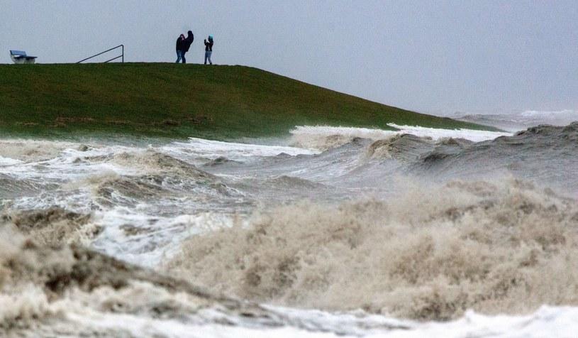 Orkan Xaver dotarł w czwartek do wybrzeży Niemiec. /AFP