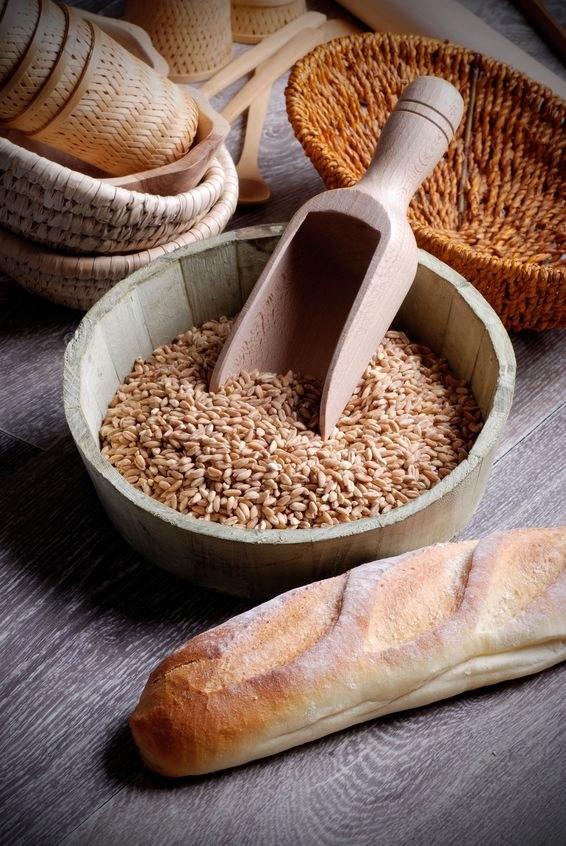 Orkisz i chleb orkiszowy /©123RF/PICSEL