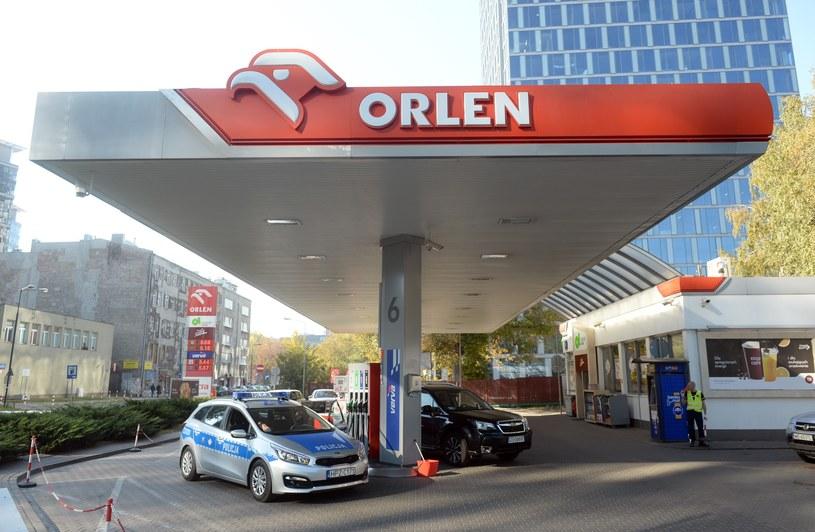 Orlen - jako państwowy koncern - musi wspierać elektromobilność /Jan Bielecki /East News