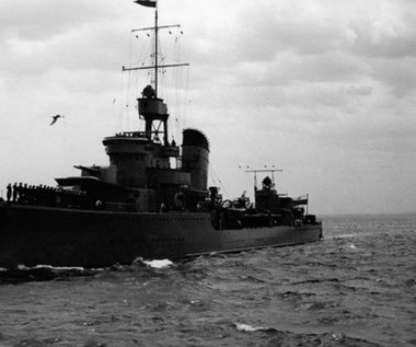 """ORP """"Błyskawica"""" – szczęśliwy okręt w morzu ognia"""