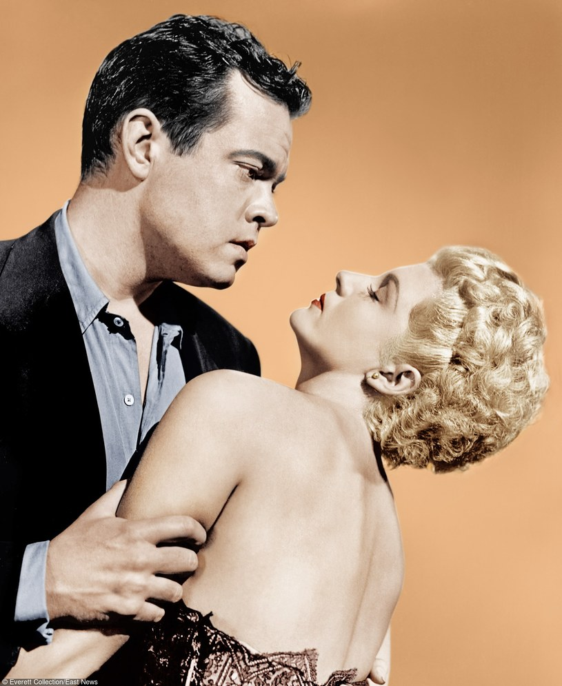 "Orson Welles i Rita Hayworth w filmie ""Dama z Szanghaju"" /Everett Collection /East News"