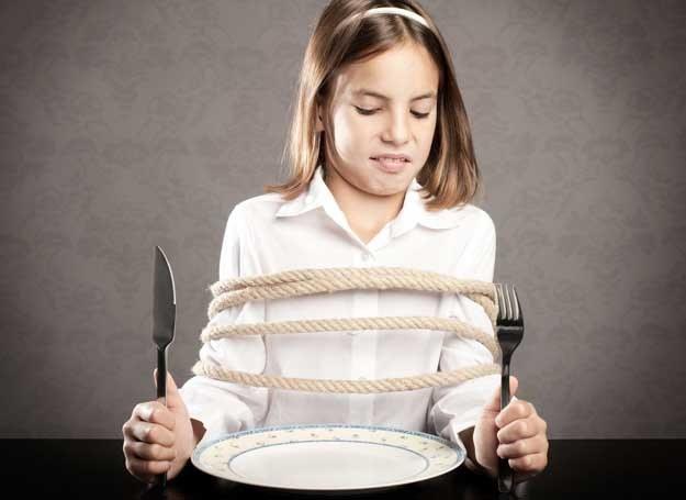 Ortorektycy unikają wszystkich produktów, które uważają za niezdrowe. W końcu niewiele zostaje... /123RF/PICSEL