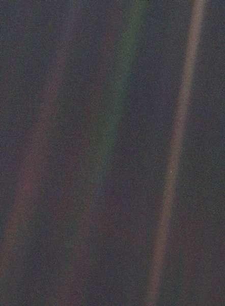 """Oryginalne zdjęcie """"Pale Blue Dot"""" /NASA"""