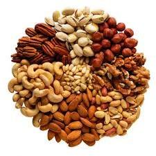 Orzechy i nasiona na zdrowie /© Photogenica