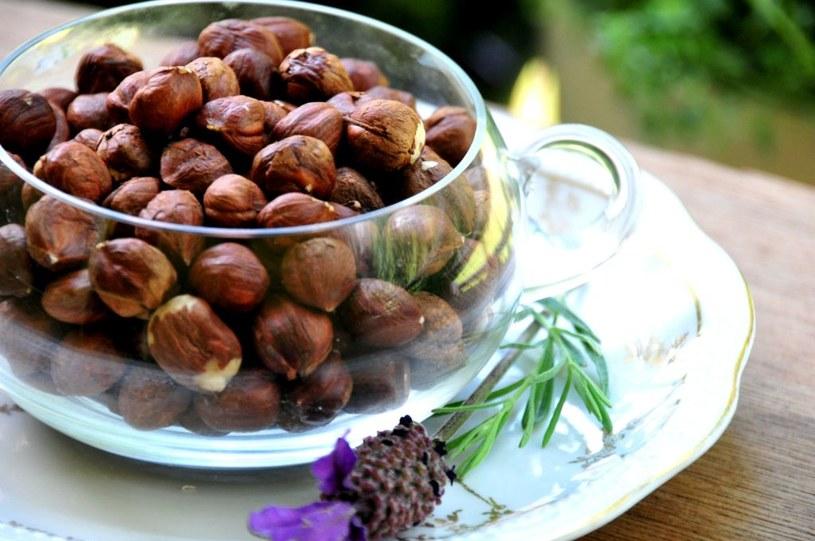 orzechy laskowe zdrowe tłuszcze /© Photogenica