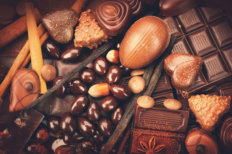 Orzechy, słodycze i kawę wyklucz ze swojej diety, aby oczyścić wątrobę /Picsel /123RF/PICSEL