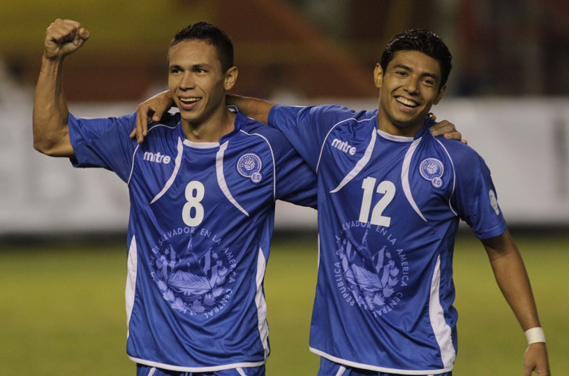 Osael Romero i Cristian Castillo zostali zawieszeni /AFP