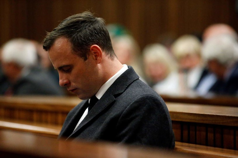Oscar Pistorius na ławie oskarżonych /AFP