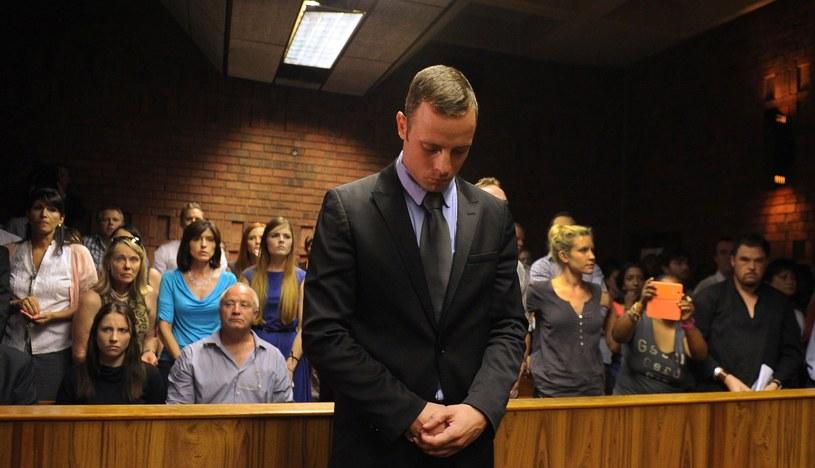 Oscar Pistorius podczas rozprawy sądowej w Pretorii /AFP