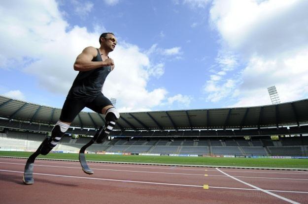 Oscar Pistorius w Londynie stanie do walki o olimpijskie złoto /AFP