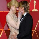 Oscary 2017: Nicole Kidman oklaskiwała zwycięzców. Uwagę przykuł jeden szczegół. To płetwy?