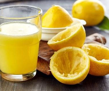 Osiem powodów, dla których nie powinniśmy wyrzucać skórek z pomarańczy