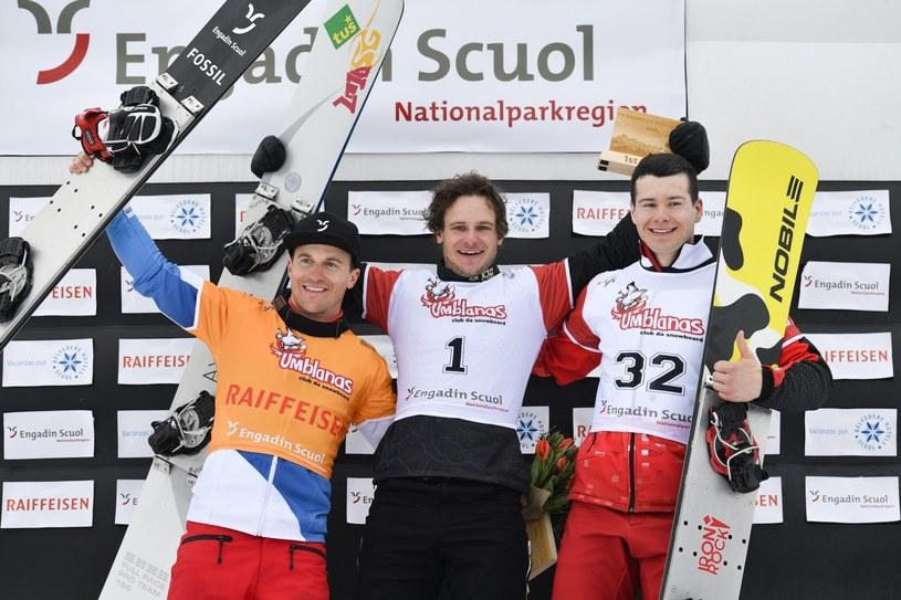 Oskar Kwiatkowski (z prawej), Tim Mastnak (w środku) i Nevin Galmarini /PAP/EPA