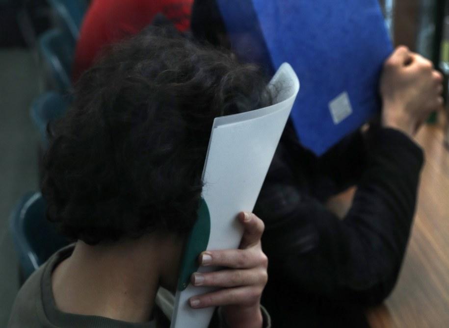 Oskarżeni to sześciu Syryjczyków i Libijczyk /Felipe Trueba /PAP/EPA