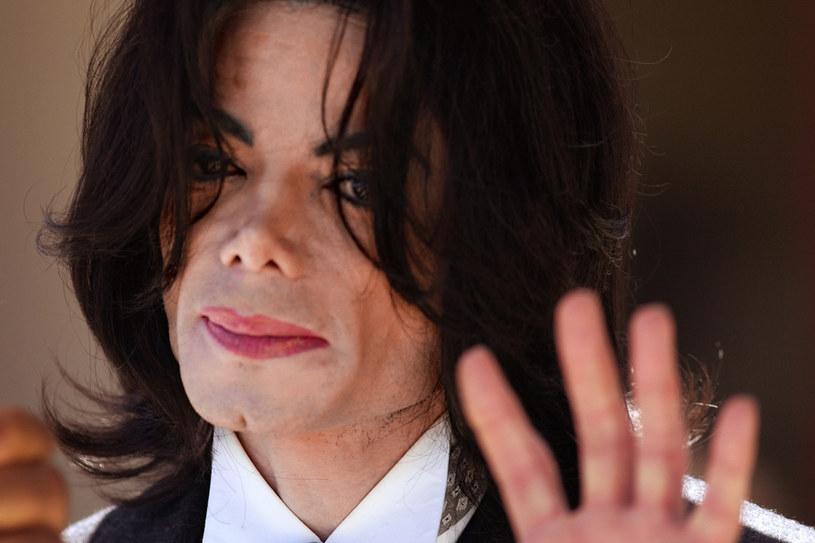 Oskarżenia  o molestowanie nieletnich wobec Jacksona pojawiały się już w latach 90. Jednak wtedy artysta zawarł ugodę  ze skarżącymi go rodzicami dzieci /Getty Images
