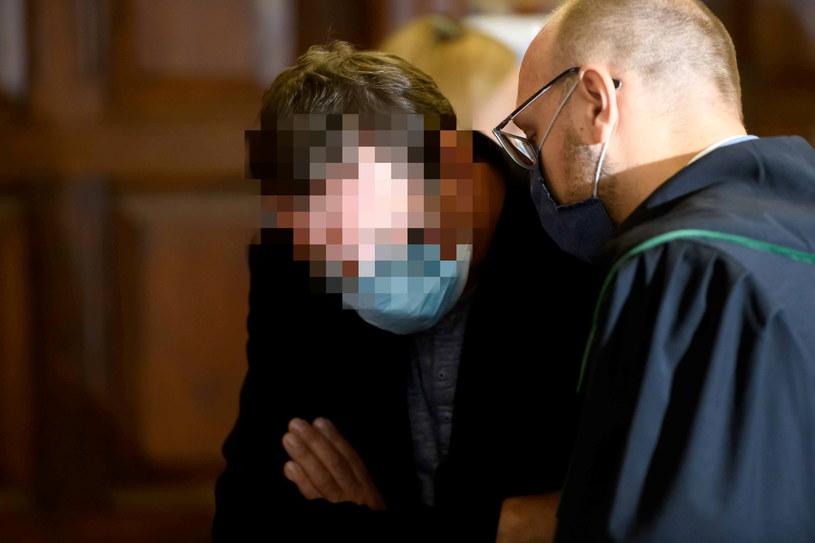 Oskarżony Krzysztof G. przed salą rozpraw Sądu Rejonowego w Chodzieży /Jakub Kaczmarczyk   /PAP