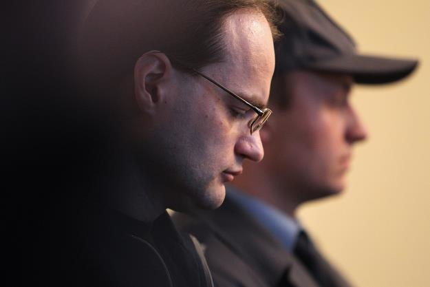 Oskarżony Piotr Trojak (L) podczas odczytywania wyroku /fot. Piotr Wittman /PAP