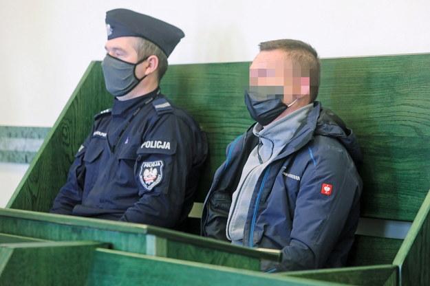 Oskarżony Wiesław K. na sali Sądu Rejonowego w Białymstoku / Artur Reszko    /PAP