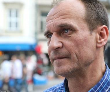 Oskubana kura zawisła w Warszawie. Ruch Kukiza zachęca do udziału w referendum