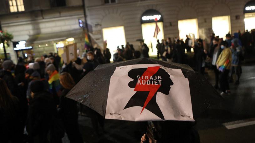 Ósmy dzień Strajku Kobiet, na zdjęciu protest w Warszawie /Tomasz Jastrzębowski /Reporter