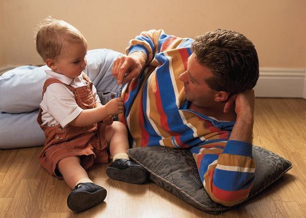 Osobie zatrudnionej na podstawie umowy zlecenie urlop ojcowski nie przysługuje /© Panthermedia