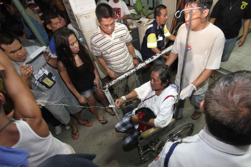 Osoby, które przeżyły katastrofę, w szpitalu w Cebu /AFP