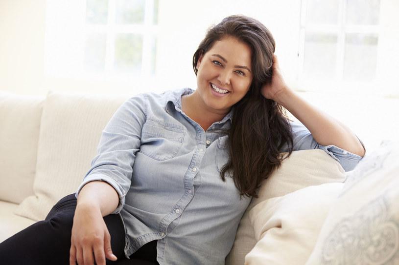 Osoby otyłe bardzo często mają problem ze zbyt wysokim poziomem cholesterolu /123RF/PICSEL