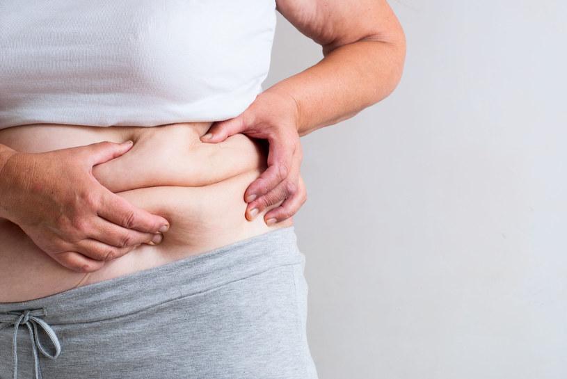 Osoby otyłe potrzebują większych dawek witaminy D /123RF/PICSEL