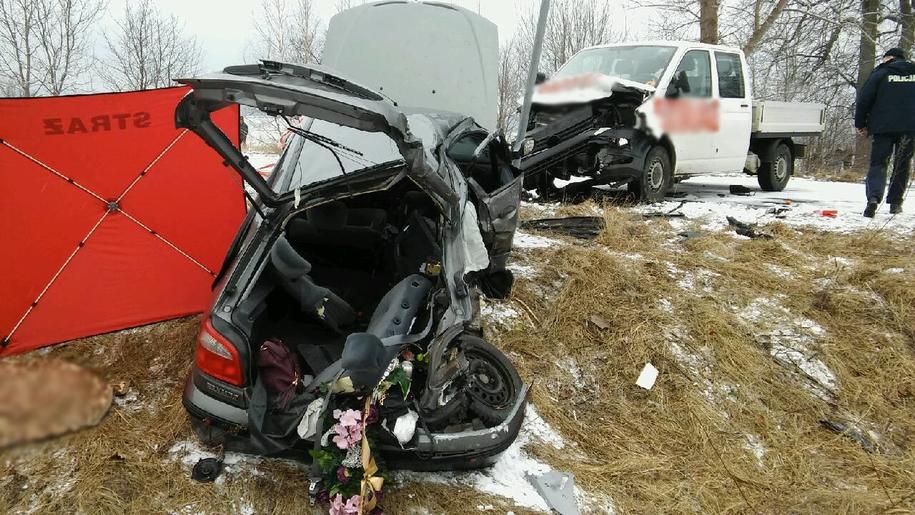 Osoby podróżujące autem osobowym jechały na pogrzeb /KPP Nidzica /Policja