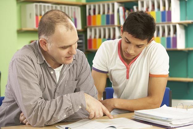 Osoby udzielające lekcji na godziny mogą skorzystać z najprostszej formy opodatkowania /©123RF/PICSEL