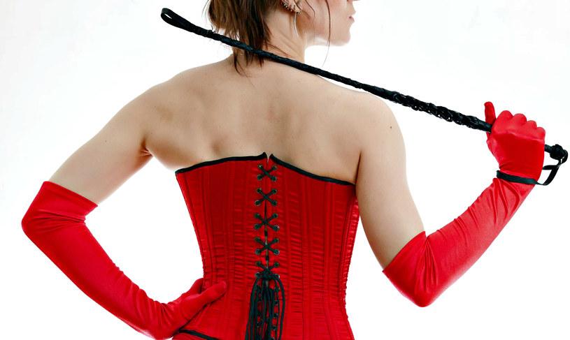 Osoby uprawiające seks typu BDSM są szczęśliwsze od innych /123RF/PICSEL