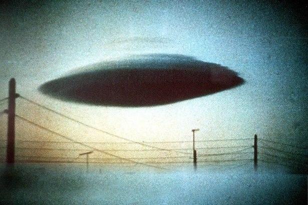 Osoby wierzące w UFO i tak wiedzą swoje, a ponad 4 tys. stron raportów nie ma dla nich znaczenia /materiały prasowe