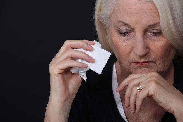 Osoby z prawem do emerytury nie mogą już starać się o rentę z tytułu niezdolności do pracy /©123RF/PICSEL