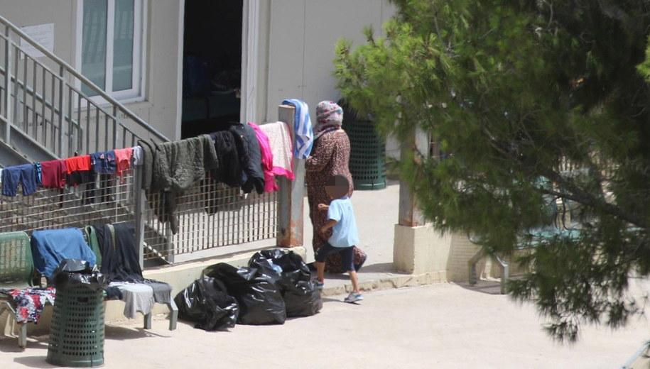 Ośrodek dla migrantów na Lampedusie. /ELIO DESIDERIO /PAP/EPA