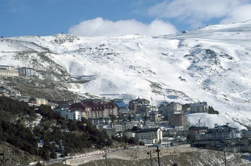 Ośrodek narciarski Sierra Nevada w Hiszpanii /Paco Ayala  /123RF/PICSEL