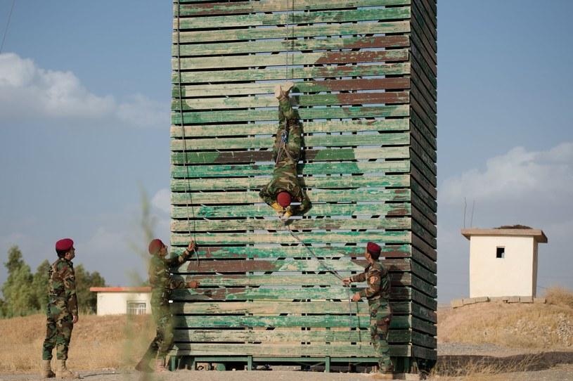 Ośrodek szkoleniowy Kurdów w pobliżu miasta Irbil /AFP