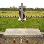 Ossów: Zbezczeszczono mogiłę żołnierzy Armii Czerwonej