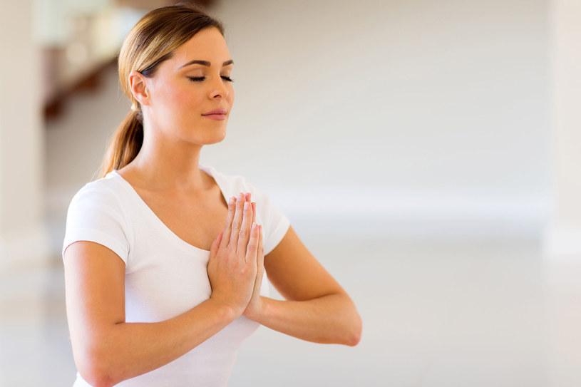 Ostatecznym celem medytacji jest umiejętność zapewnienia sobie komfortu /123RF/PICSEL
