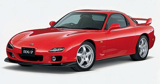 Ostatnia generacja, wycofana w 2002 roku. To najmniej popularne z trzech wcieleń Mazdy RX-7: powstało 68 tys. sztuk. /Motor