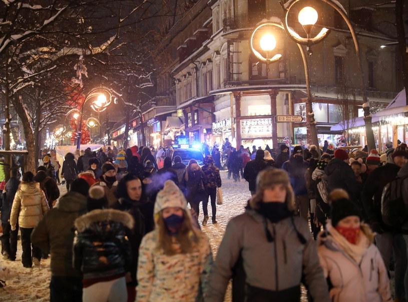 Ostatnia sobota na Krupówkach - głównej ulicy Zakopanego /PAP