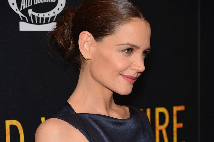 Ostatnio Katie stara się nie pokazywać publicznie /Getty Images