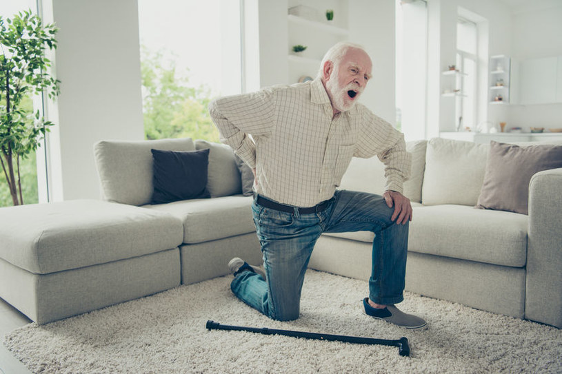 Osteoporoza grozi seniorom /©123RF/PICSEL