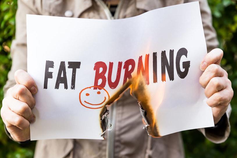 Ostre dania spalają tłuszcz /©123RF/PICSEL