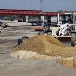 Ostro o budowie dróg. Naciągają wykonawcy czy...?